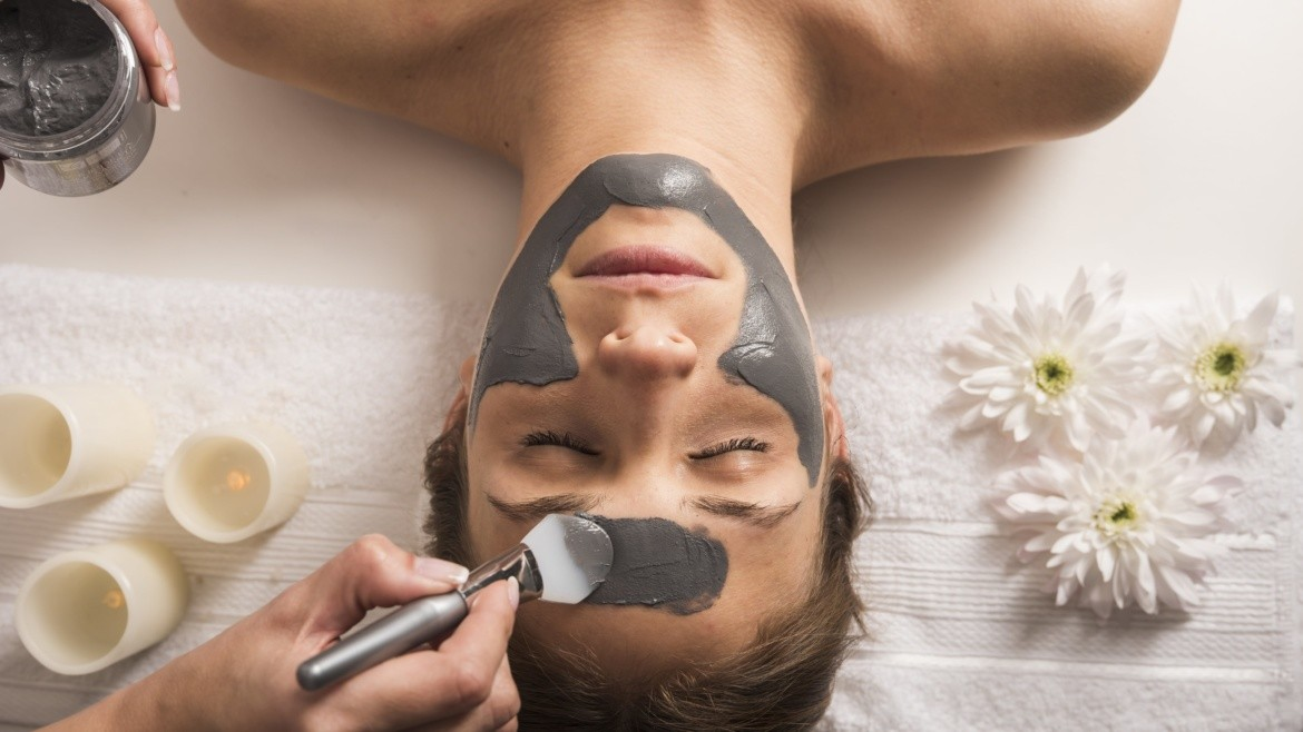 How to be a Home Beauty Therapist or Skin Consultant in 5 Easy Steps